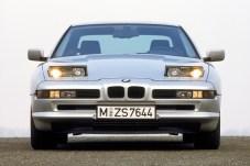 Aufklappbare Scheinwerfer sind das Markenzeichen des sportlichen Klassikers aus Bayern. © BMW