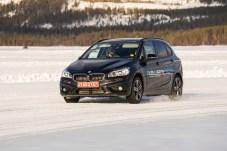 Mit dem sogenannten e2-Prototypen, einem umgerüsteten BMW 2er Active Tourer, zeigt der Zulieferer Magna, was in Sachen Hybrid- und Elektroantrieb möglich ist. © Magna