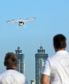 Demonstrationsflug des Volocopter in Dubai. Foto: Auto-Medienportal.Net/Volocopter