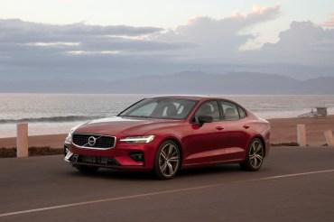Neue Volvos wie der V60 werden ab 2020 bei 180 km/h gebremst. © Volvo