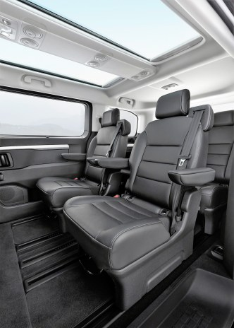 Es gibt Ausstattungsmöglichkeiten mit fünf, sechs, sieben, acht oder neun Sitzen – teils in Lederausstattung. Foto: Auto-Medienportal.Net/Opel