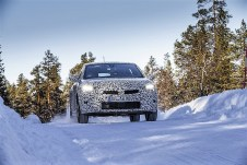 Die Testfahrten mit den getarnten Autos in Lappland begannen bereits kurz nach Weihnachten. Foto: Auto-Medienportal.Net/Opel