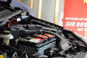Versteckspiel: Nicht immer lässt sich die Batterie so leicht finden, wie in diesem Nissan-SUV. © Banner