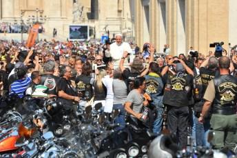 Urbi et Orbi: Papst Franziskus segnet Motorräder der Marke Harley-Davidson. © Harley-Davidson
