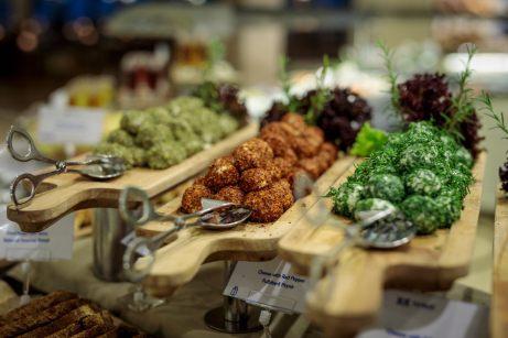 Die Region Muğla ist berühmt für Köstlichkeiten wie Honig, Oliven, Zitrusfrüchte, Mandeln, Granatäpfel und frisches Gemüse. © TUI