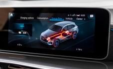 Die Lithiumionen-Batterie stammt aus eigener Fertigung. Mit 80 kWh (NEFZ) Energieinhalt ermöglicht sie eine elektrische Reichweite von 445 bis 471 km (NEFZ).