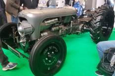 Das Design stammt von Adler Capelli. Nur fünf Exemplare weltweit wurden von dem Lamborghini Centenario produziert. Dieser Traktor ist eigentlich viel zu schade für die Feldarbeit. © Jutta Bernhard / mid