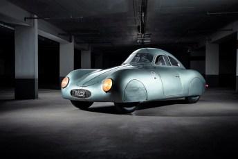 Stromlinienförmig: Der Typ 64 basiert auf dem Ur-Käfer. © Staud Studios / Courtesy of RM Sotheby's