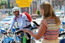 Zunehmend verdrängen die flexibleren E-Scooter das Fahrrad. © Solveig Grewe / mid