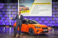 Michael Lohscheller stellt den neuen Corsa-e vor.