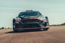 Auf zum nächsten Rallye-Abenteuer: Der 1,6 Liter große EcoBoost-Turbo-Vierzylinder im Ford Fiesta R5 leistet 290 PS. © Ford