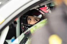 """Carrie Schreiner auf Volkswagen Golf GTI TCR vom VW-Team """"Girls only"""". Foto: Auto-Medienportal.Net/Volkswagen"""