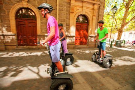 TUI Urlauber können Erlebnisse in 1.900 Städten und 80 Ländern bereits vor Reiseantritt buchen. ©