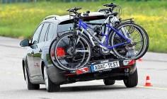 Der Fahrradträger Premium 3 von Eufab beim Ausweichtest. Foto: Auto-Medienportal.Net/ADAC