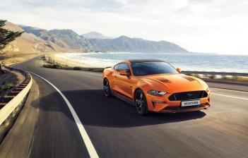 """Ford hat ein Ford Mustang-Jubiläumsmodell für Kunden in Europa angekündigt, mit dem der 55. Geburtstag des legendären Sportwagens gefeiert wird. Der Mustang55 ist ab August bestellbar, die Preise werden in Kürze bekanntgegeben. Der Mustang 55 basiert auf dem Ford Mustang GT mit dem 331 kW (450 PS) starken 5,0-Liter-V8-Motor. © """"obs/Ford-Werke GmbH"""""""