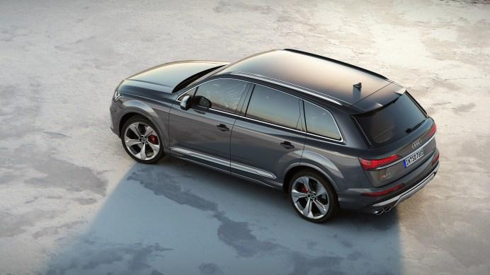 Der Audi SQ7 TDI ist ab Ende Juli bestellbar – in Deutschland kostet er 94.900 Euro. Der Preis für den Siebensitzer beläuft sich auf 96.420 Euro. © Audi