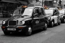 Very british: Die schwarzen London-Taxis haben sogar etwas Majestätisches. © Tommes64 / pixabay.com