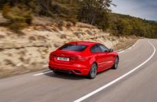 Der Einstiegspreis für den XE liegt bei 43 690 Euro für den Turbodiesel mit Hinterradantrieb und S-Ausstattung. © Jaguar
