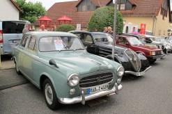 Mittelklasse-Limousinen: Peugeot 403 und 402