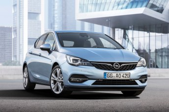 aubermann trotz Verbrennungs-Motoren: der neue Opel Astra. © Opel