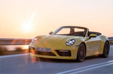 Zwei Drittel der europäischen Autohalter sind überzeugt, dass vor allem Sportwagen und Cabrios die Attraktivität ihrer Fahrer für ihr Umfeld steigern. Foto: Auto-Medienportal.Net/Porsche