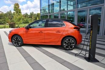 Opel wird elektrisch - zum Beispiel mit dem neuen Corsa-e. © Valeria Lazareva / mid