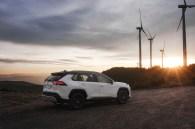 Bild mit Symbolcharakter: Der Toyota RAV4 Hybrid steht für eine saubere Fortbewegung. © Toyota