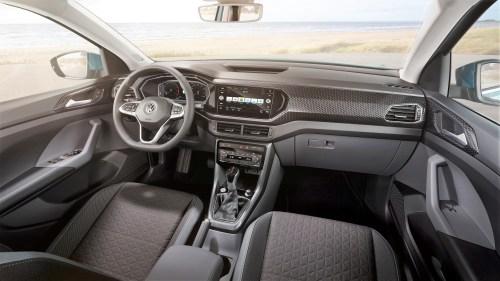Total digital: das virtuelle Cockpit wird ergänzt durch den Touchscreen in der Mittelkonsole. © VW