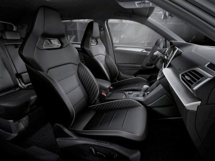 Nun kommt auch der Beifahrer in den Genuss des komfortabel elektrisch verstellbaren Sportschalensitzes. © Seat