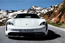 Die beiden Elektromotoren bringen es – sowohl im Turbo als auch im Turbo S – auf eine gleiche Leistung von 625 PS (460 kW). Über eine Overboost-Funktion lässt sich 2,5 Sekunden lang jedoch noch wesentlich mehr Power abrufen. © Porsche