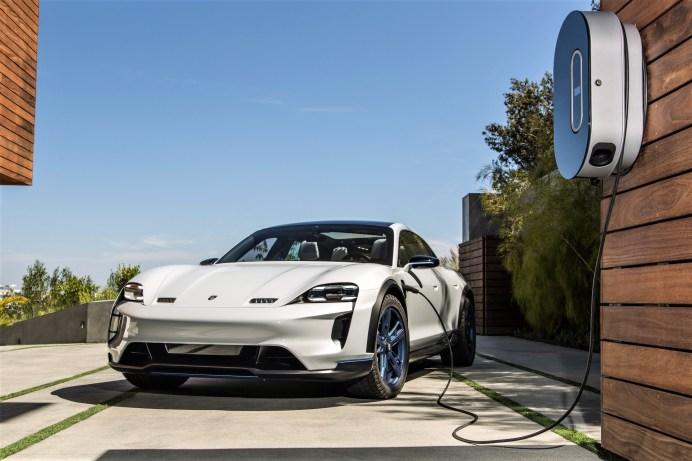 Der vollelektrische Porsche Taycan, wie er auf der IAA zu sehen sein wird. © Porsche