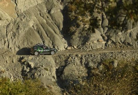 Gefährliche Passage durch die Felslandschaft: Staub, Steine, Schotter bereiten dem Skoda Karoq keine Probleme.© Skoda