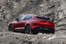 Trotz des coupehaften Hecks bietet der DBX reichlich Kofferraum. © Aston Martin