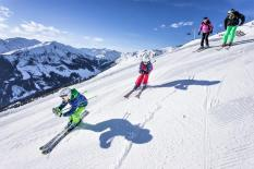 Skifahren mit Kindern am Spieljoch in Fügen. © Andi Frank