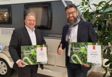 Manfred Taedcke und Thomas Neubert freuen sich über die Erfolge bei der Leserwahl.