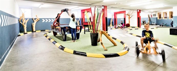 Die Indoor-Kartbahn für Kinder. © Hotel Schneeberg