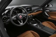 Viel Leder auch auf dem Armaturenbrett: Diesen Luxus bietet die Ausstattungsvariante Lusso. © FCA