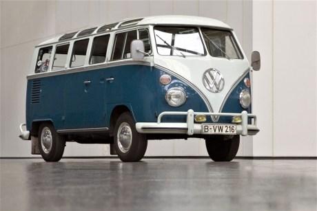 """Volkswagen T1 Samba Typ 24 (Typ 2 T1 Kleinbus Sondermodell Samba-Bus"""") Baujahr 1964. © Volkswagen"""