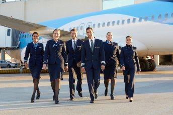 Die Crews von TUIfly freuen sich darauf, bald wieder alle Fluggäste auf Flügen in die zahlreichen Destinationen begrüßen zu können. © TUI
