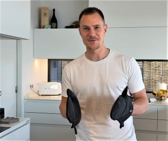 Cupra-Markenbotschafter Marc ter Stegen in seiner Küche. Foto: Auto-Medienportal.Net/Seat