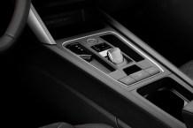 Durch den Wegfall des Handschaltgetriebes wird im Inneren des Fahrzeugs Platz geschaffen. © Seat