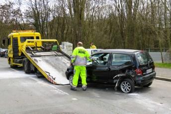 """Wenn es gekracht hat, sollte das Unfallopfer den """"Zentralruf deutscher Autoversicherer"""" anrufen. Dieser vermittelt den Kontakt zur jeweiligen Versicherung des Unfallgegners in Deutschland. © Gellinger / pixabay.com"""