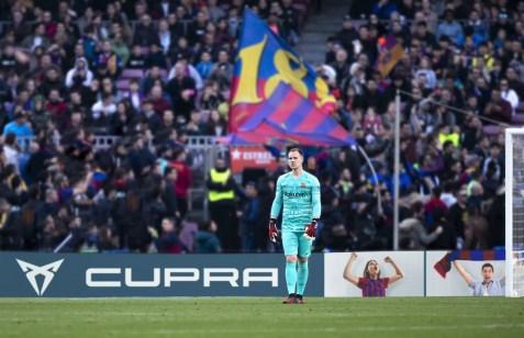 Die Fotos, die über die offizielle CUPRA Website eingesendet werden können, werden während der Spiele unter Ausschluss der Öffentlichkeit im Camp Nou auf die LED-Bildschirme rund um das Spielfeld projiziert. © Seat