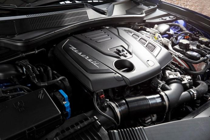 Vierzylinder mit Riemen-Starter-Generator und Elektro-Verdichter. Aus dem 2,0-Liter Motor kitzeln die Techniker 330 PS. © Maserati