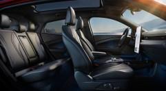 Entspanntes Fahren: Der Mustang Mach-E bietet allen Insassen ausreichend Platz. © Ford