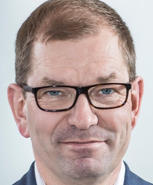 """Markus Duesmann: An Wasserstoff für den Einsatz im Auto glaube ich nicht"""". @ Audi"""