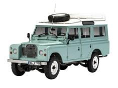 Modellfahrzeug des Jahres 2020: Land Rover Defender III von Revell (1:24). Foto: Auto-Medienportal.Net/Delius-Klasing-Verlag