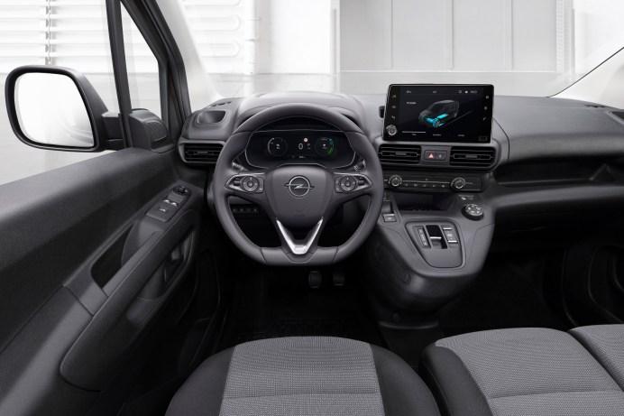 Wie im Pkw: Der Opel Combo verfügt über viel Fahrkomfort und moderne Elektronik. © Opel