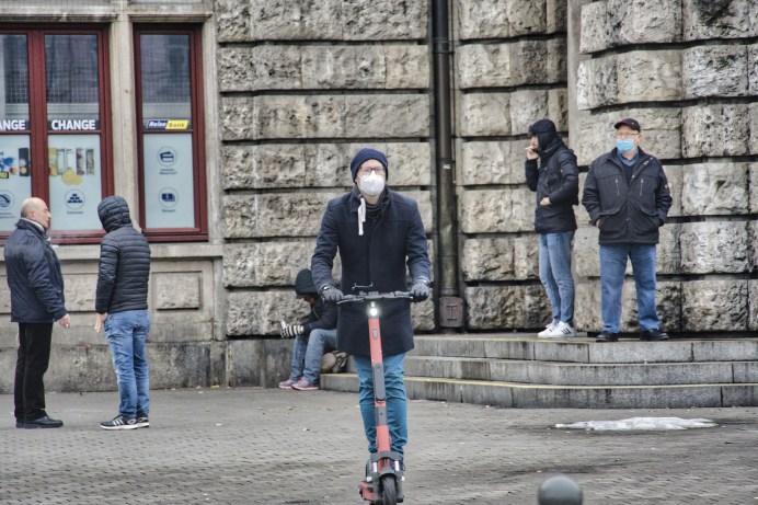Alles im Griff: Im Winter sollten E-Scooter-Fahrer besonders vorsichtig sein. © pixabay.com