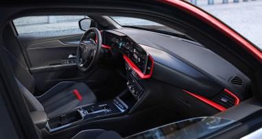 Stylisch - das Pure Panel im Opel Mokka. Foto: Opel